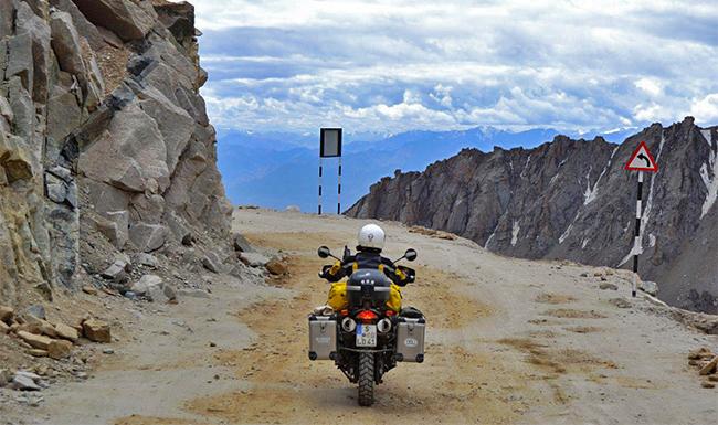 Ladakh Motorcycle Trip - Khardungla Bike