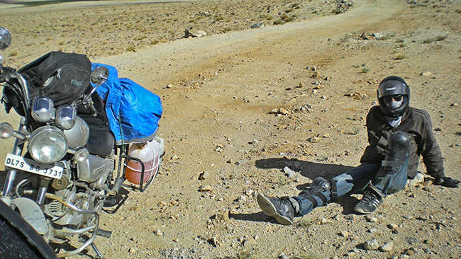 Ladakh Motorcycle Trip - Khardung La Pass