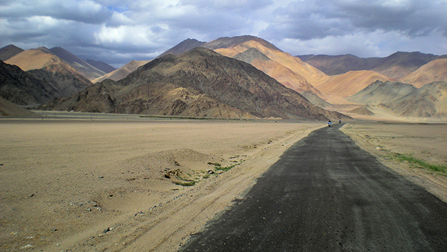Ladakh Motorcycle Trip - Mountains