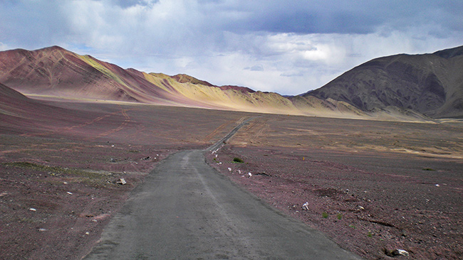 Ladakh Motorcycle Trip - Purple Mountains