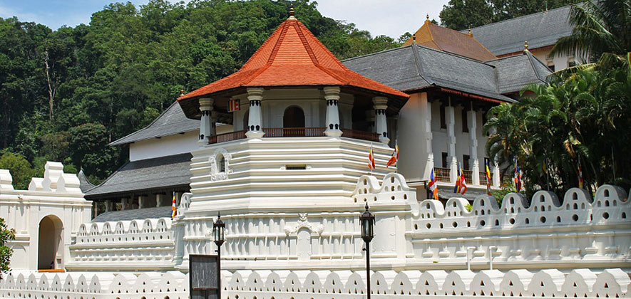 Things To Do in Kandy - Temple of Tooth Relic