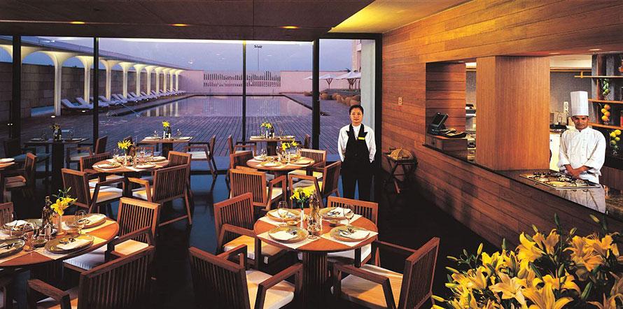 Best Restaurants in Kolkata - Dum Phukt