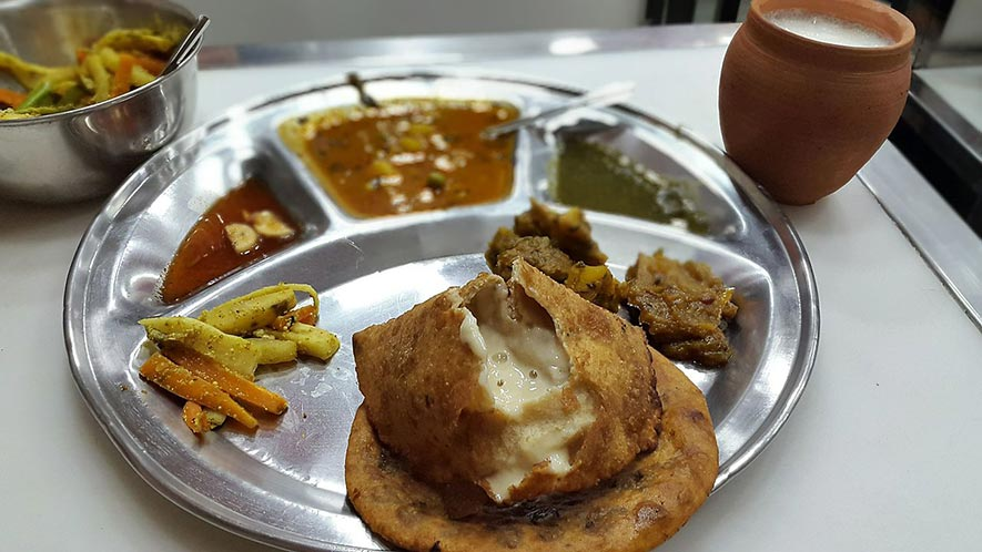 Street Food in Old Delhi - Paranthe Wali Gali