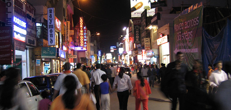 Commercial street - Places to see in Bangalore