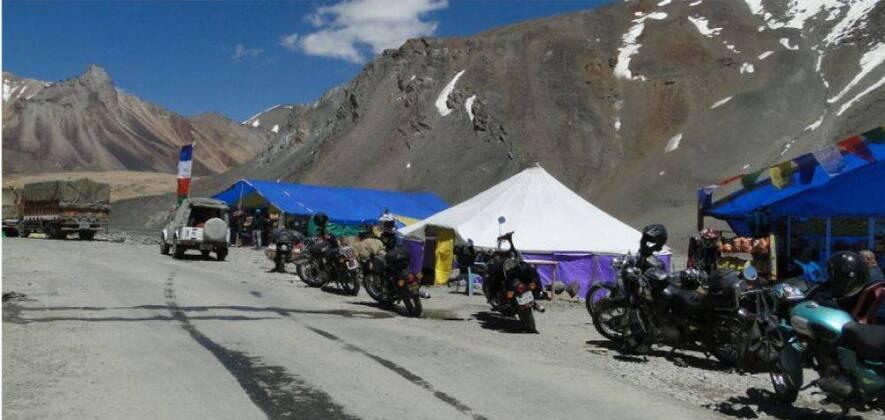 Ladakh Motorcycle Tour 2018 with Pangong and Tso Moriri