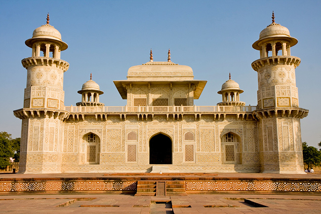 Tomb of Itmad-ud-Daulah - Offbeat Places in Agra - Explore Agra