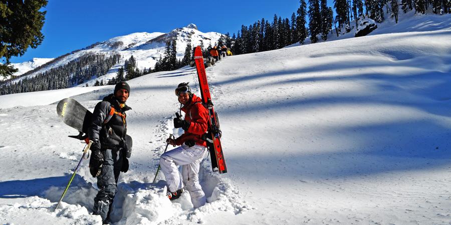Explorati Rajat Snow Skiing IIn Himalayas in Manali Himachal