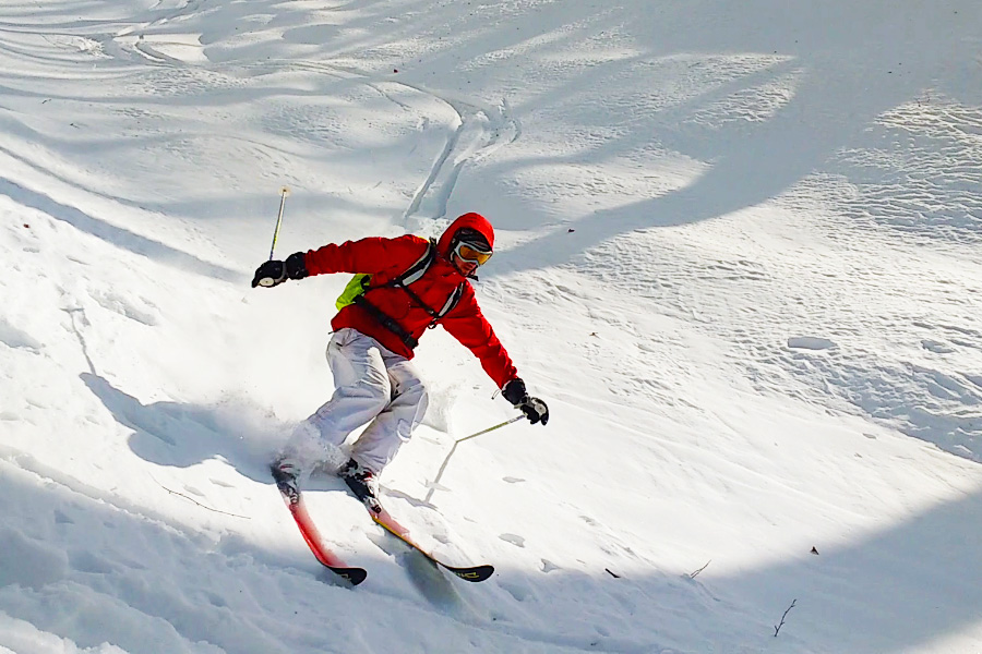 Explorati Rajat Skiing Down In Himalayas Near Manali In Sethan In Himachal
