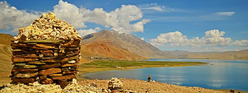 Ultimate guide to Ladakh - Places to Visit - Tso Moriri Lake
