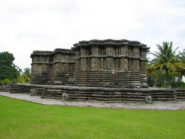 Kedareswara Temple - Temples of Halebidu & Belur
