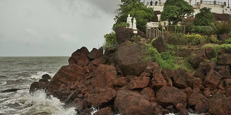 Dona Paula Beach - best beaches of Goa