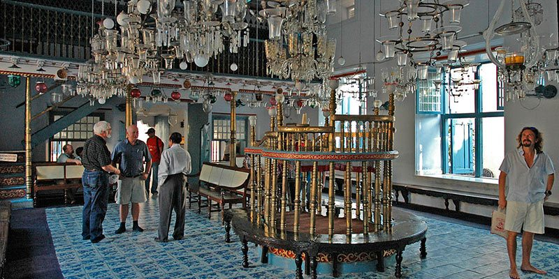 Paradesi Synagogue - Kochi Jew Town Synagogue