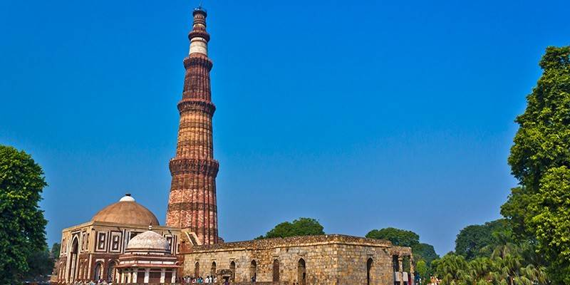 Must-See Landmarks in India - Qutub Minar