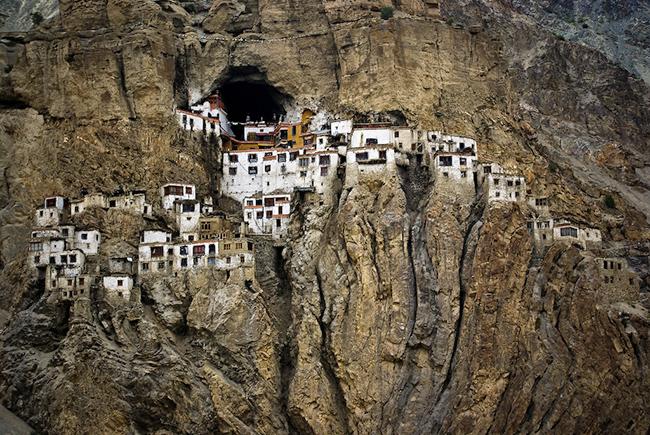 Phugtal Monastery or Phugtal Gompa