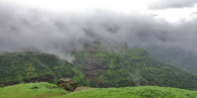 Monsoon destinations in India : Malshej Ghat