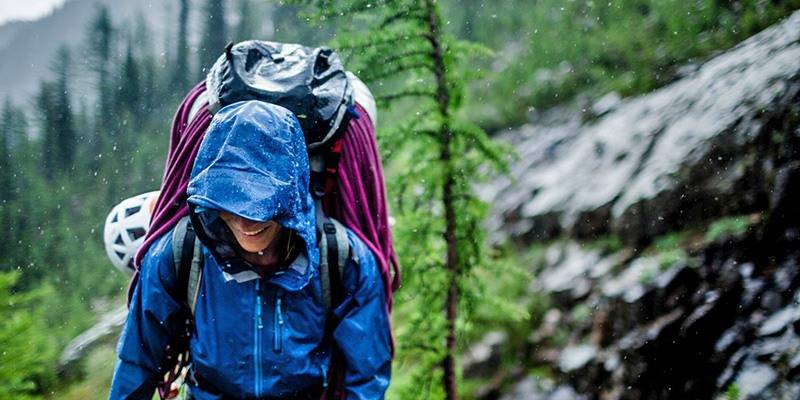 Guide to Trekking and Backpacking in the Monsoons - What to wear
