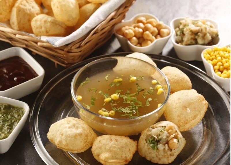 Mumbai-street-food-pani-puri