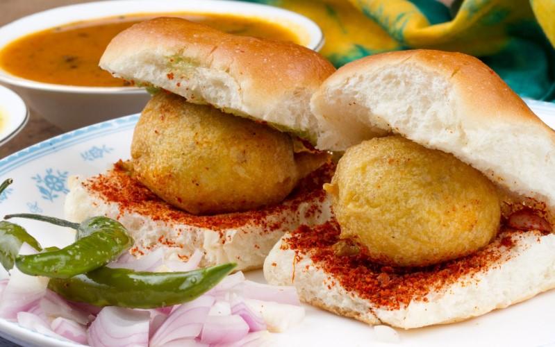 Mumbai-street-food-vada-pav