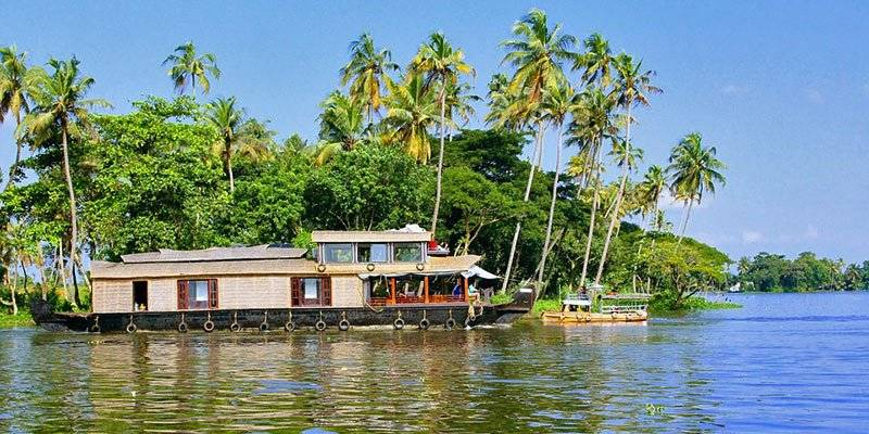 Activities To Experience In Kerala - Alleppy & Kumarkom