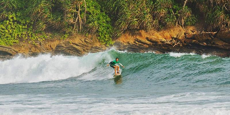 Ultimate Sri Lanka Travel Guide - Surfing in Sri Lanka