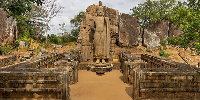 Visit Bhuddhist Temples - Things To Do on a Sri Lanka Holiday