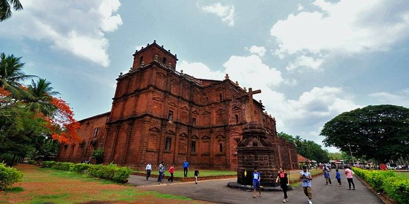 Things to do in Goa - Visit Churches and forts