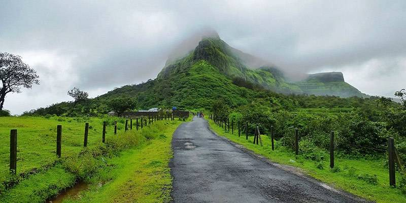 Treks and Hikes around Pune & Mumbai - Visapur Fort